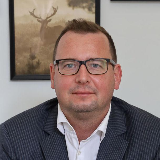 Resident Representative: Dr. Axel Neubert