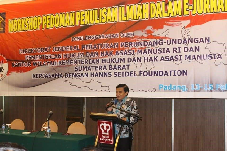 The Keynote Speech was delivered by Prof. Dr. Widodo Ekatjahtjana, Directorate General of the Ministry of Law and Human Rights