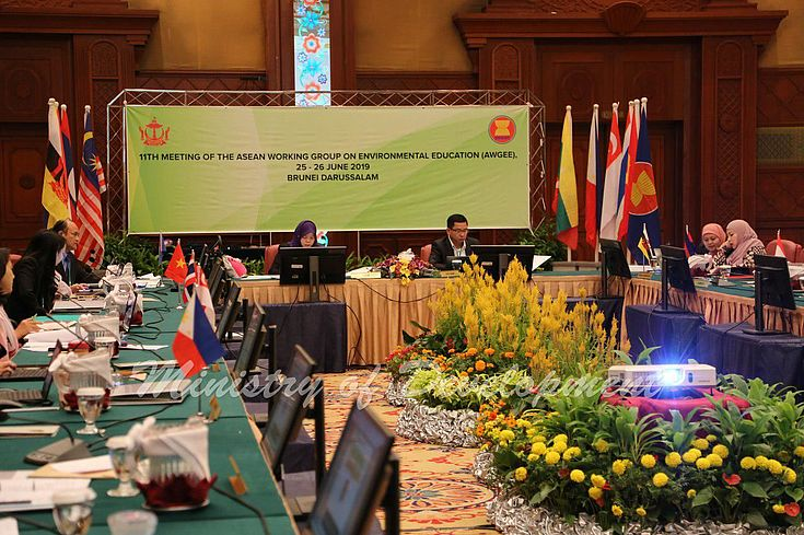 Brunei Darussalam and Cambodia chaired and co-chaired the meeting