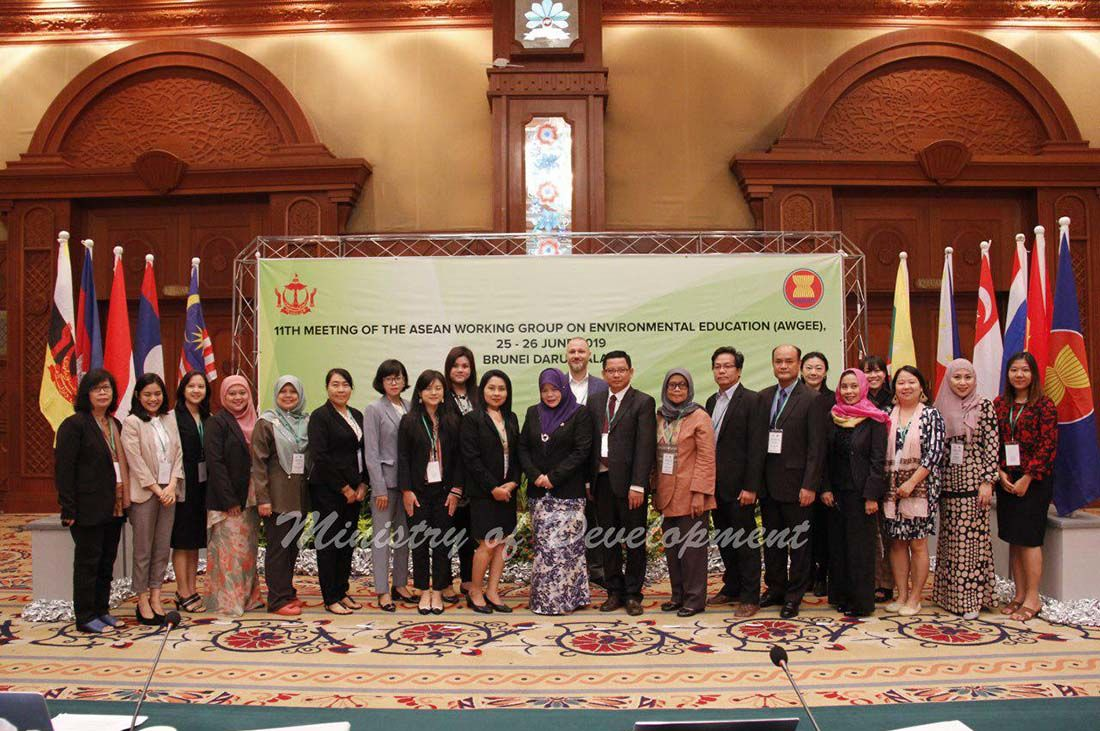 The delegates including the focal points of ASEAN Member Countries and ASEAN Dialogue Partners