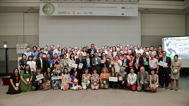 Group photo with all participants