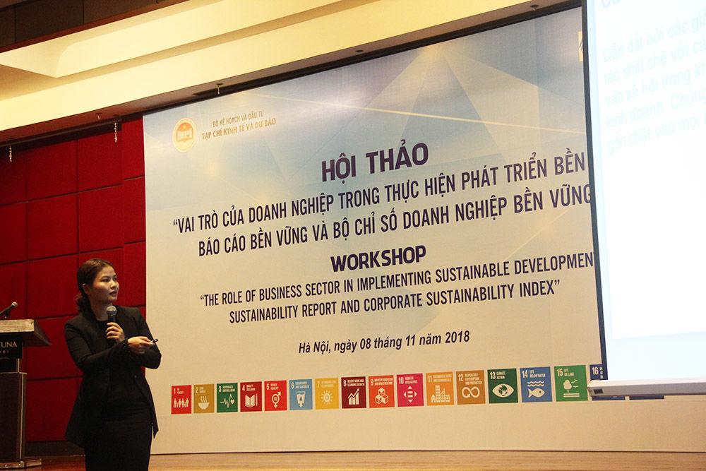 A representative from Bao Viet Insurance makes her presentation