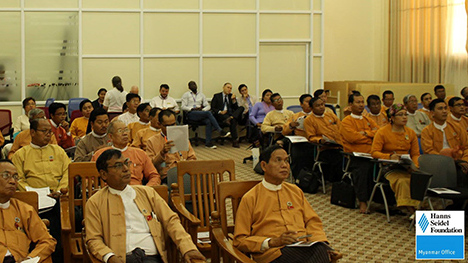 The participants at the briefing on social media
