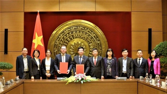 The Delegation of the National Assembly Office and the Delegation of the Hanns Seidel Foundation Vietnam