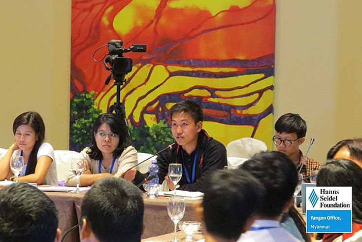 Participants had the opportunity to discuss with the experts and with each other during Q&A sessions.